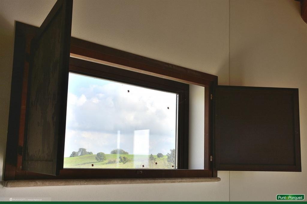 Scuretti interni in legno e pvc per infissi e porte finestre - Finestre pvc su misura prezzi ...