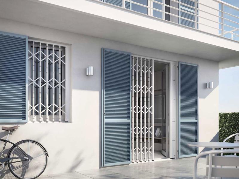 Porte blindate a terni vendita e montaggio serramenti di for Cancelli estensibili spagnoli