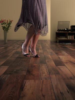 pavimenti in laminato - resistenti - tacchi