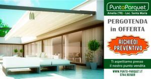 Pergotenda addossata in terrazzo - Coperture da esterno in alluminio e PVC