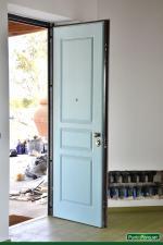 Portone blindato moderno, colore carta da zucchero, serratura antieffrazione - Roma - Terni