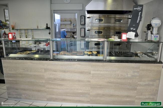 Rinnovo arredamento pizzeria con rivestimenti autoadesivi for Pizzeria arredamento