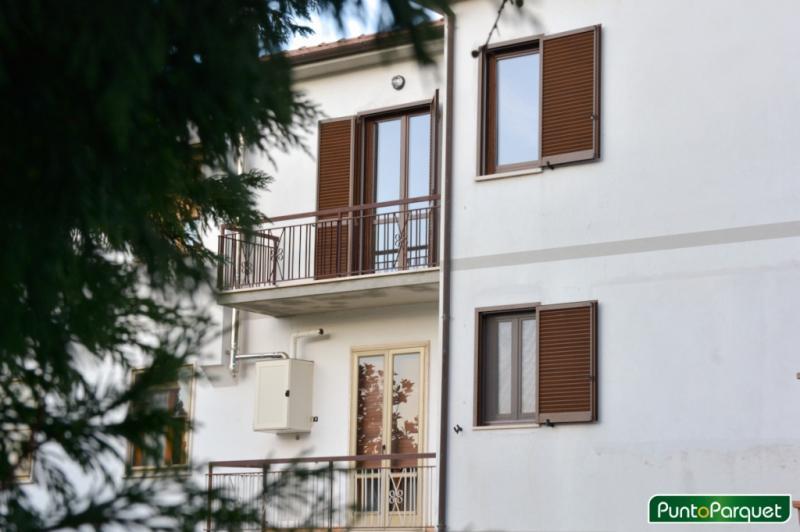 Infissi Terni - Installazione e posa in opera finestre in legno e persiane in alluminio