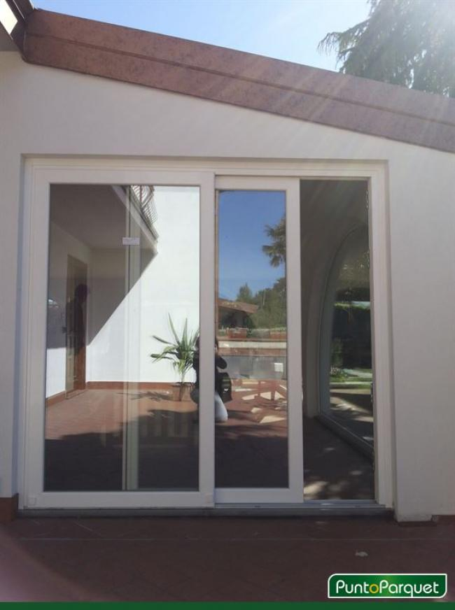 Chiusura veranda con infissi in PVC ad arco a Terni