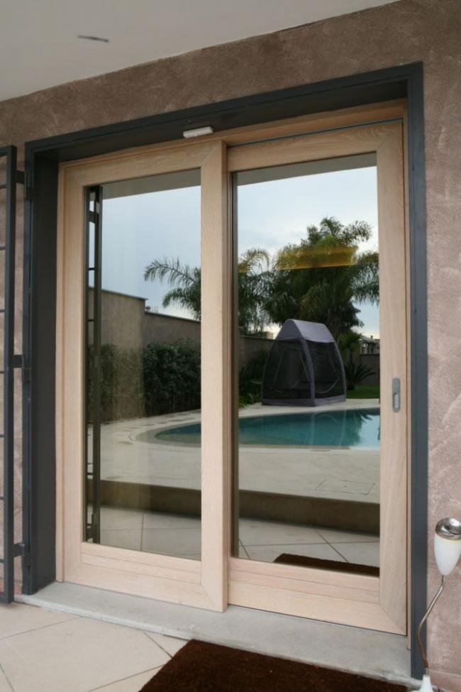 Infissi in legno a terni vendita e montaggio di serramenti su misura - Verniciare finestre alluminio ...