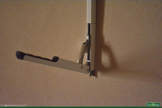 Infissi in PVC con apertura vasistas, sistema di serratura remoto