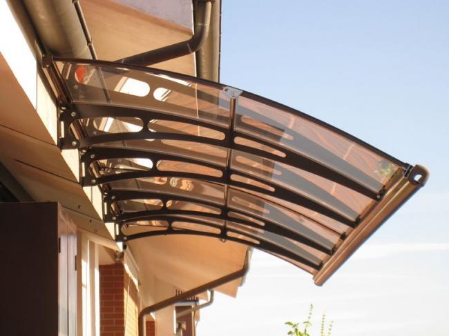 pensilina-squadrata-alluminio-vetro-legno-arco-stile