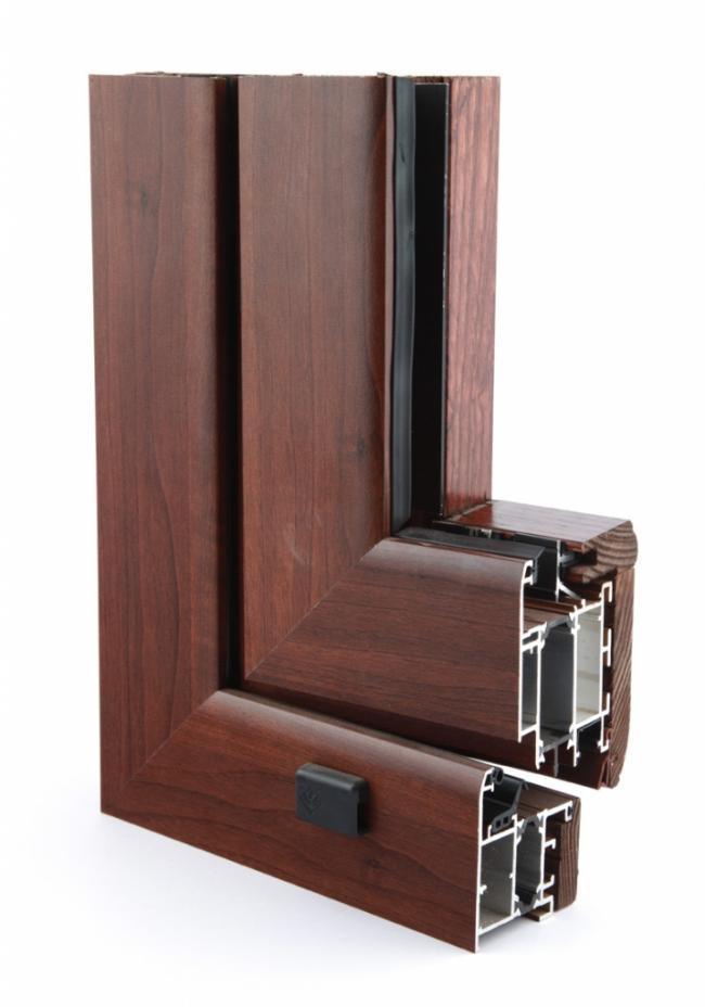 Infissi in legno alluminio a terni for Infissi color legno