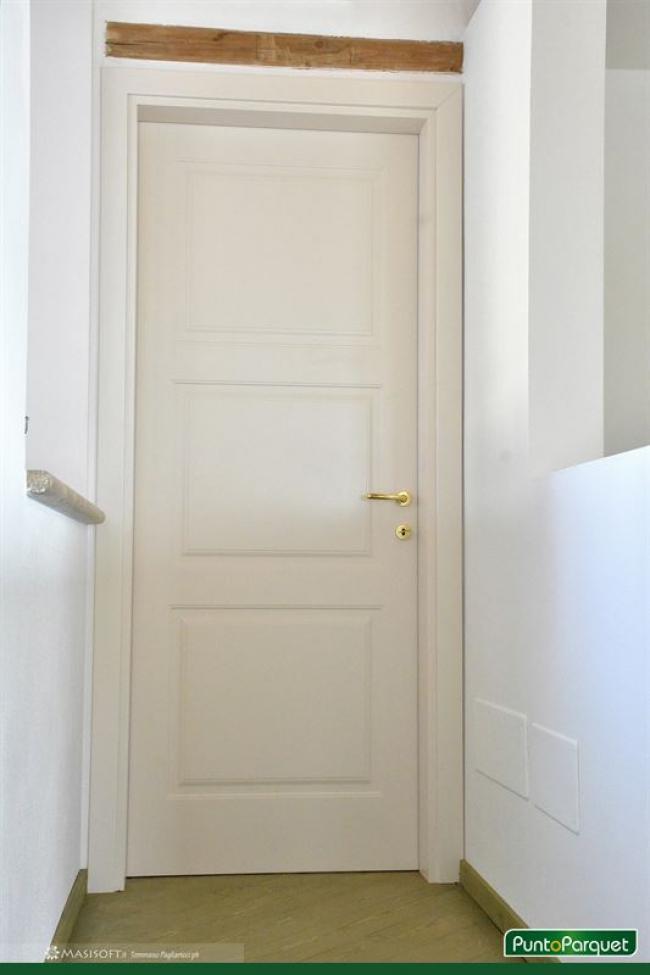 Porte da interno in legno massello o tamburato a terni - Porte da interno ...