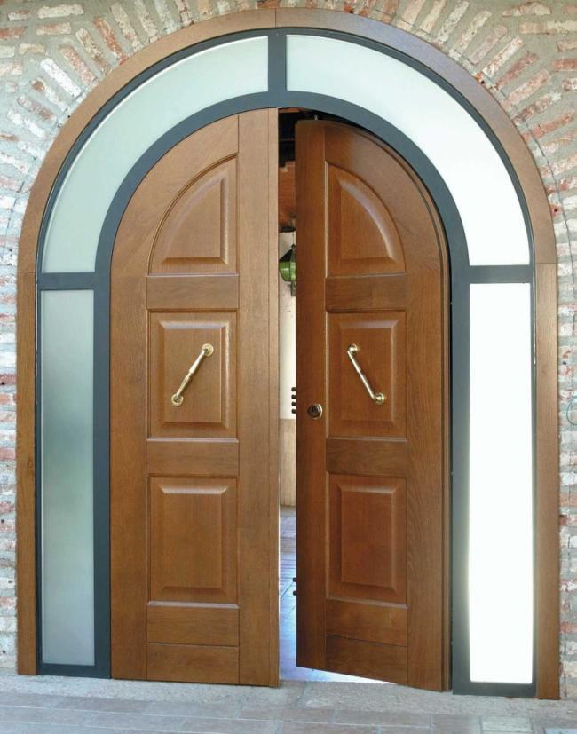 Porte d 39 ingresso blindate e portoni di sicurezza moderni - Porte con arco ...