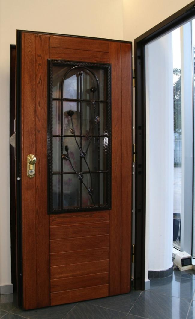 Porte d 39 ingresso blindate e portoni di sicurezza moderni - Porta finestra blindata ...